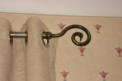 Curvy curtain pole