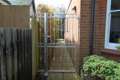 Metal back gate